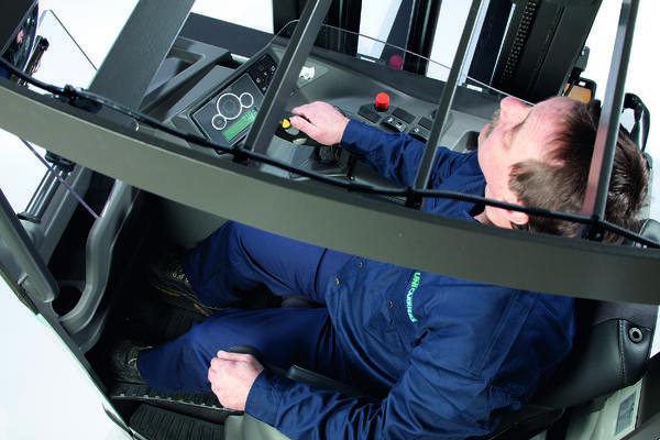 UniCarriers - Image 2 - Driver's Cab