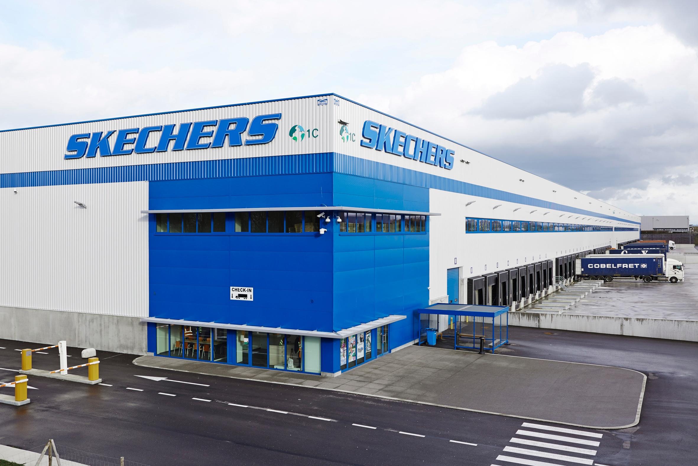 UniCarriers AB Skechers Bild 1-1